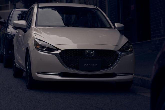 Mazda 2 ban nang cap thay doi ngoai hinh, them cong nghe an toan hinh anh 4