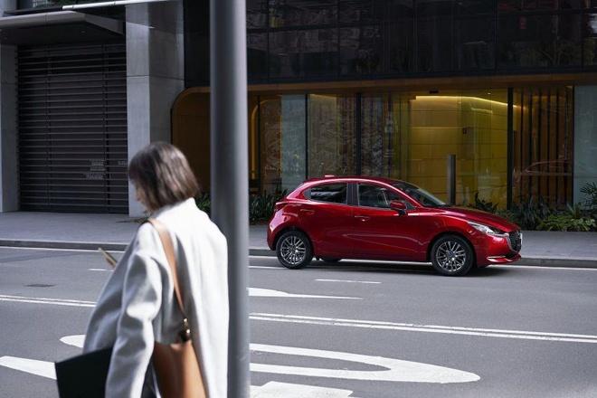 Mazda 2 ban nang cap thay doi ngoai hinh, them cong nghe an toan hinh anh 2