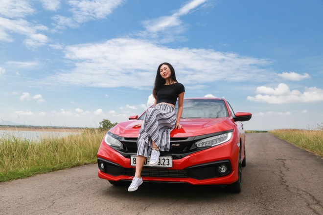 Danh gia Honda Civic RS 2019 - lai the thao, danh doi tien nghi hinh anh