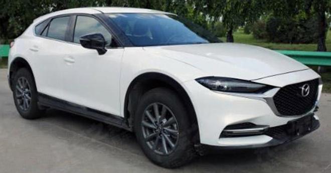 Mazda CX-4 facelift lo dien, ngoai hinh kha giong Mazda CX-30 hinh anh 1