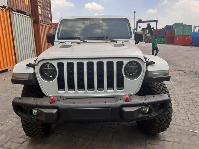 Ban tai Jeep Gladiator Rubicon 2020 ve VN anh 1