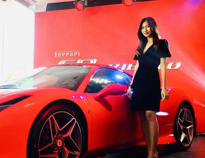 Kham pha showroom Ferrari dau tien tai Viet Nam hinh anh