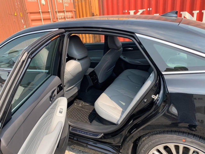 Toyota Avalon Hybrid Limited 2020 ve Viet Nam, gia gan 4 ty dong hinh anh 6 81392203_749726568856473_5893580537620070400_n.jpg