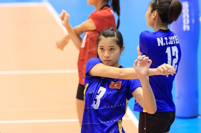 Hot girl Thu Huyen, 'nhac truong' doi bong chuyen U19 Viet Nam hinh anh 2