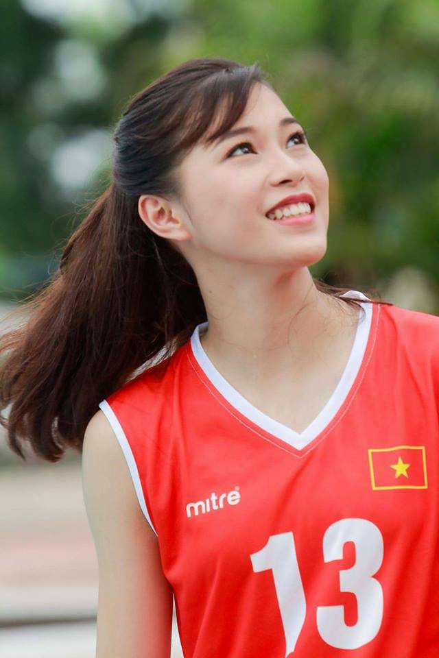 Hot girl Thu Huyen, 'nhac truong' doi bong chuyen U19 Viet Nam hinh anh 5