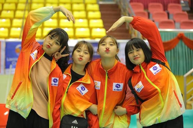 Hot girl Thu Huyen, 'nhac truong' doi bong chuyen U19 Viet Nam hinh anh 9