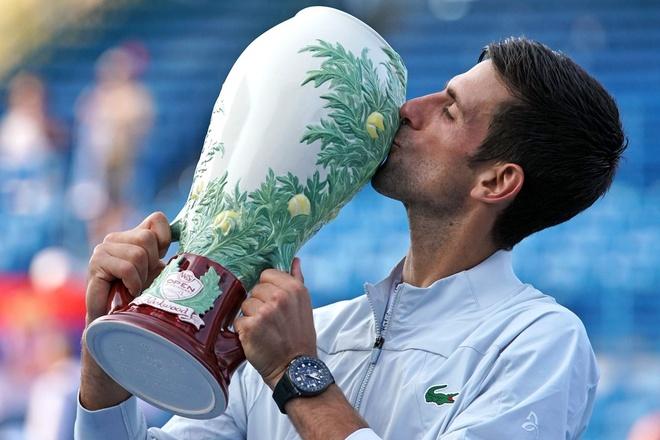 Vuot qua Federer, Djokovic hoan tat 'Golden Masters' tai Cincinnati hinh anh