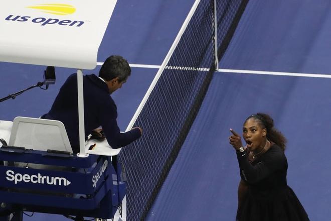Serena Williams nhan an phat nang sau khi goi trong tai la ke trom hinh anh