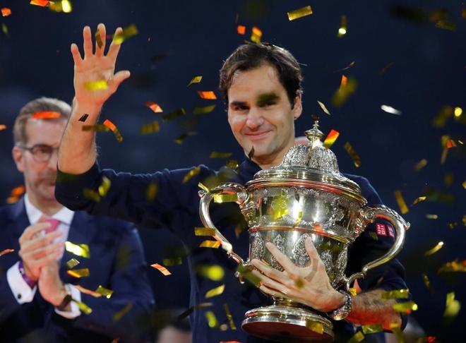 Roger Federer xuc dong trong lan thu 9 dang quang tai que nha Basel hinh anh