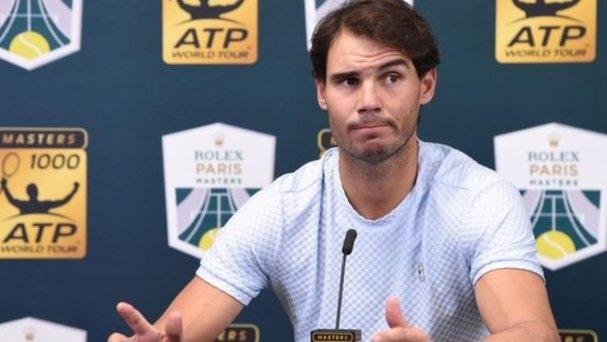 Nadal rut lui khoi ATP Finals vi chan thuong, Djokovic chac ngoi so 1 hinh anh