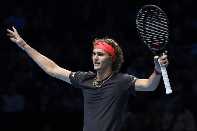 Federer guc nga truoc sao tre Zverev tai ban ket ATP Finals hinh anh
