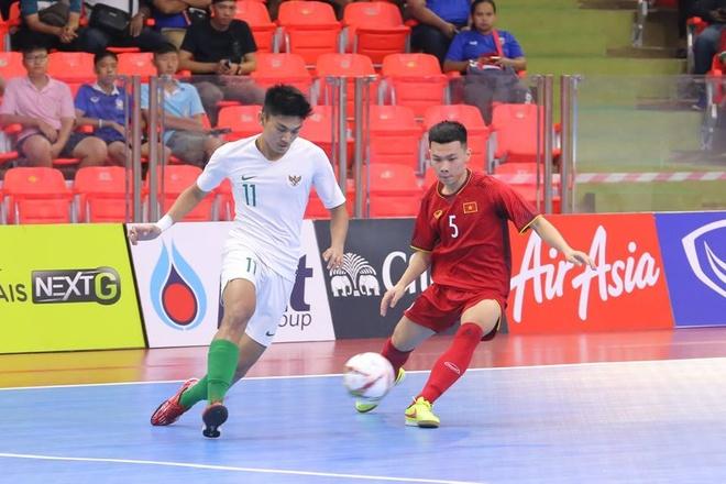 Highlights Viet Nam 3-3 Indonesia: Vong loai U20 futsal chau A hinh anh