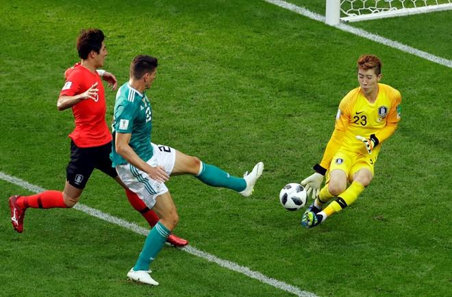 Van Lam lot top 5 thu thanh dang xem nhat tai Asian Cup 2019 hinh anh 6