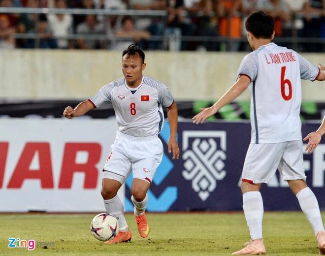 Trong Hoang la cau thu Viet Nam dat gia nhat tai Asian Cup hinh anh 1