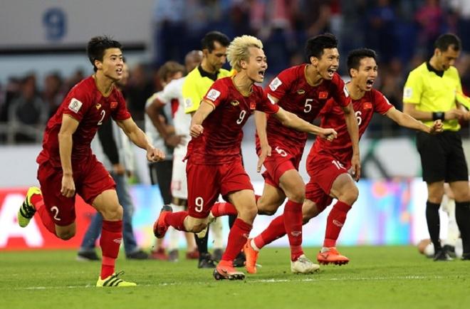 Doi tuyen Viet Nam tiep tuc thang tien tren BXH FIFA thang 2/2019 hinh anh