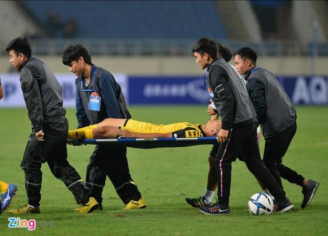 Cau thu U23 Brunei nhap vien khan cap do chan thuong nang hinh anh 1