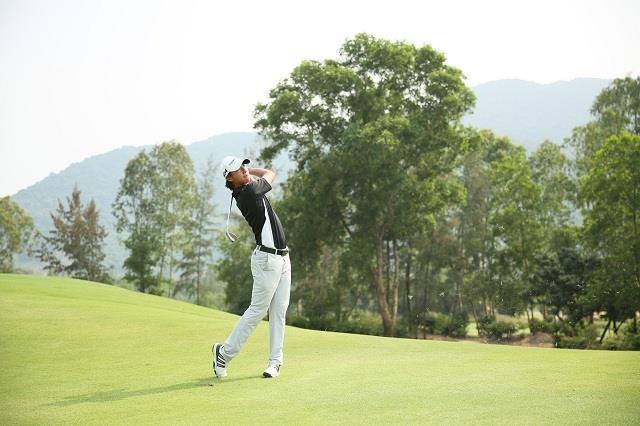 Golfer nu xinh dep len ngoi tai giai Faldo Series Asia 2019 hinh anh 2
