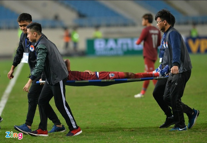 Cau thu U23 Brunei nhap vien khan cap do chan thuong nang hinh anh 4