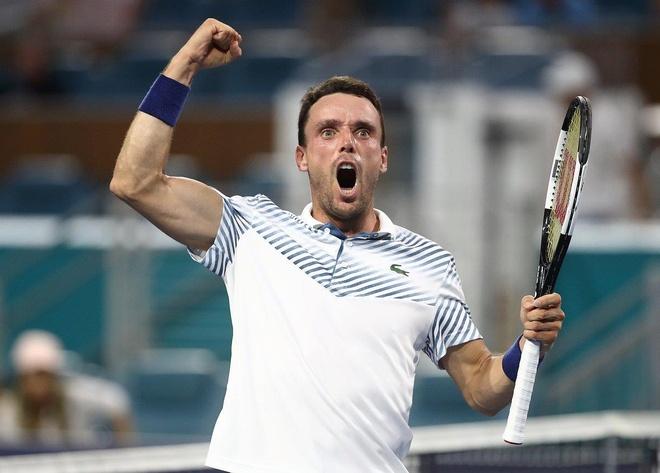 Novak Djokovic bai tran vi con mua tai Miami hinh anh 1