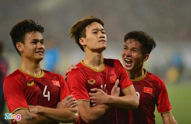 Bao Han Quoc bat ngo voi loi choi cua U23 Viet Nam truoc Thai Lan hinh anh 1