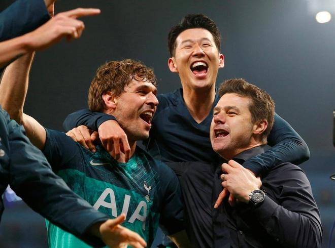 HLV Pochettino thua nhan Tottenham da 'song lai tu coi chet' hinh anh 1
