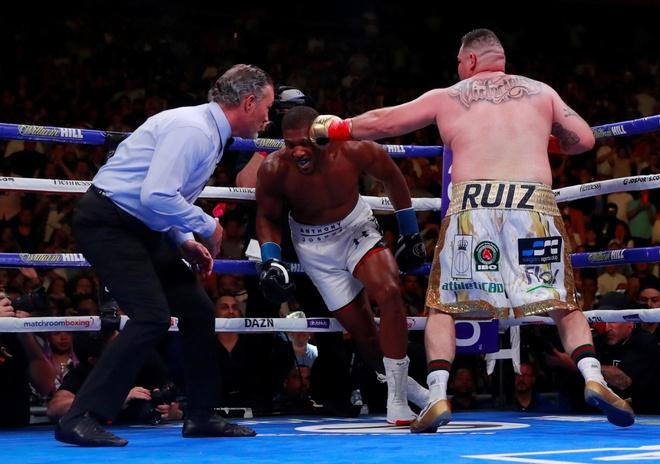 Joshua gặp nhiều áp lực khi tái đấu Ruiz