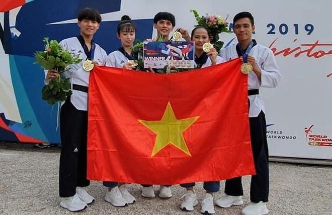 Chau Tuyet Van cung dong doi gianh HCV taekwondo Grand Prix Roma hinh anh 1
