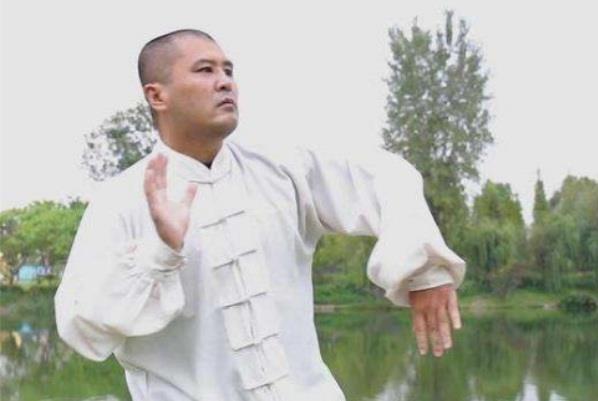 Võ sư Ngụy Lôi so tài với Điền Dã vào tháng 8 tới