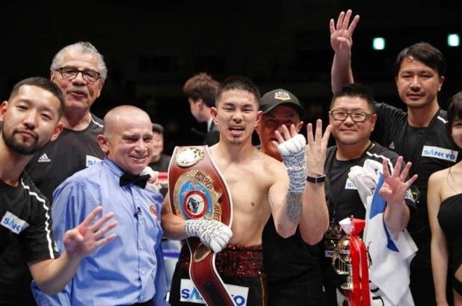 Võ sĩ Nhật Bản giành đai vô địch thế giới sau khi ly hôn vợ