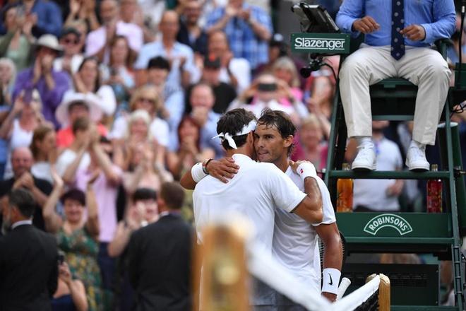 Federer an mung day cam xuc khi ha Nadal de vao chung ket Wimbledon hinh anh 8