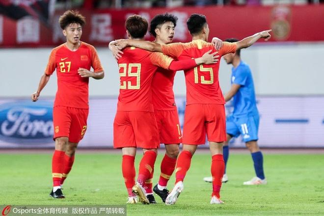 'Tuyen Trung Quoc nham mat cung vuot qua vong loai World Cup' hinh anh 1