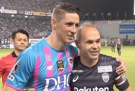Iniesta tri an Torres truoc tran dau cuoi cung cua su nghiep hinh anh