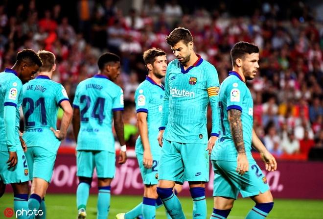 Barcelona lap hang loat ky luc buon sau tran thua Granada hinh anh 1