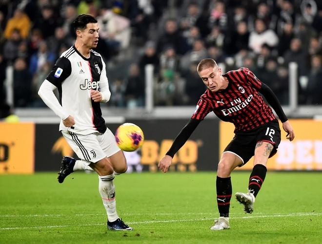 Juventus ha Milan trong ngay Ronaldo bi thay tu phut 55 hinh anh 1