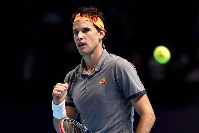 Dominic Thiem nguoc dong ha Djokovic tai ATP Finals hinh anh