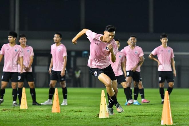 Supachai: 'U23 Thai Lan khong co gi phai lo lang va ap luc' hinh anh 1 Cha1.jpg