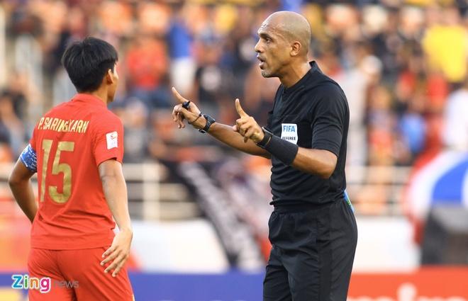 FAT muốn AFC làm rõ việc chọn trọng tài Oman điều khiển trận tứ kết của đội nhà. Ảnh: Quang Thịnh.