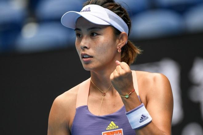 Serena thua Wang Qiang anh 1