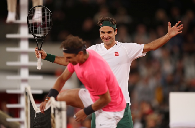 Federer thang Nadal trong tran dau lap ky luc the gioi hinh anh 1 2020_02_07T205138Z_1856319135_RC2WVE93PT6B_RTRMADP_3_TENNIS_AFRICA.JPG
