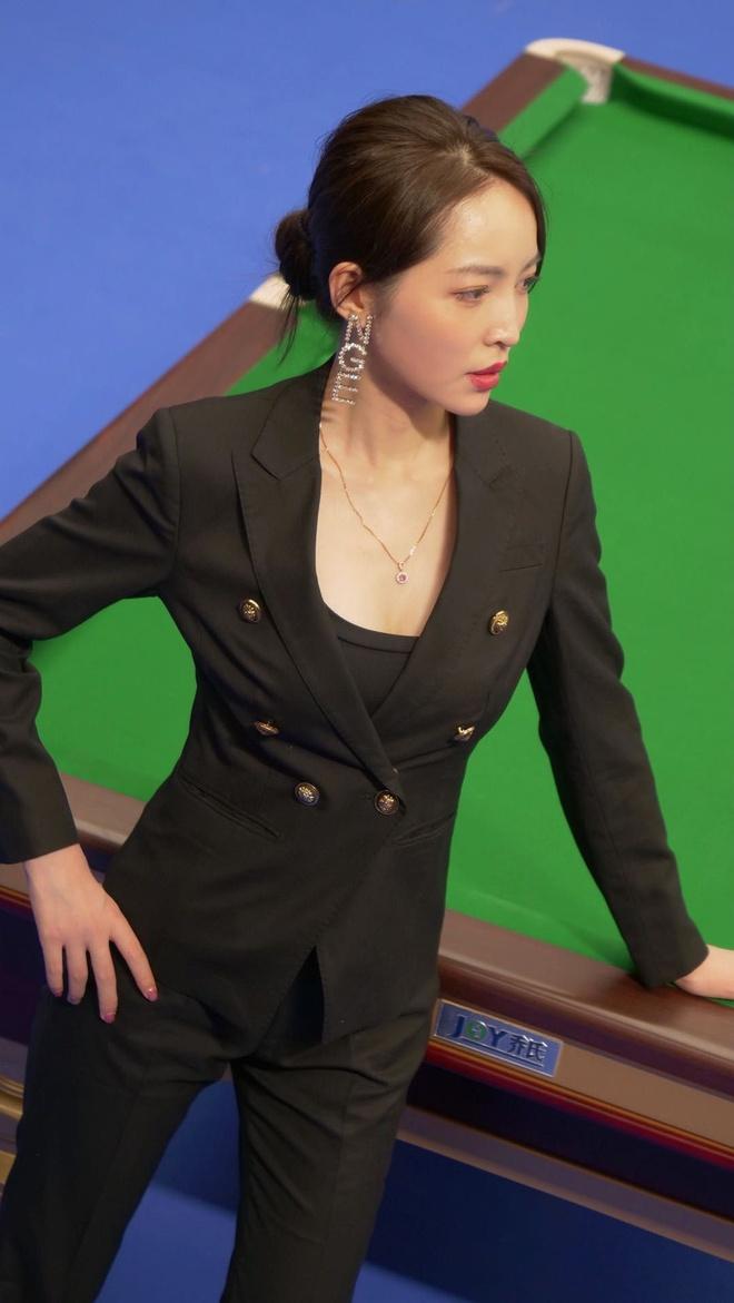 Nhan sac nu trong tai billiards thu hut su chu y o Trung Quoc hinh anh 6 t6.jpg