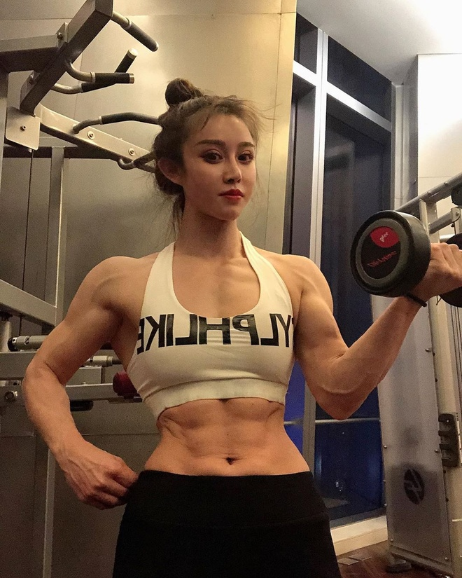 co gai nghien tap gym anh 4