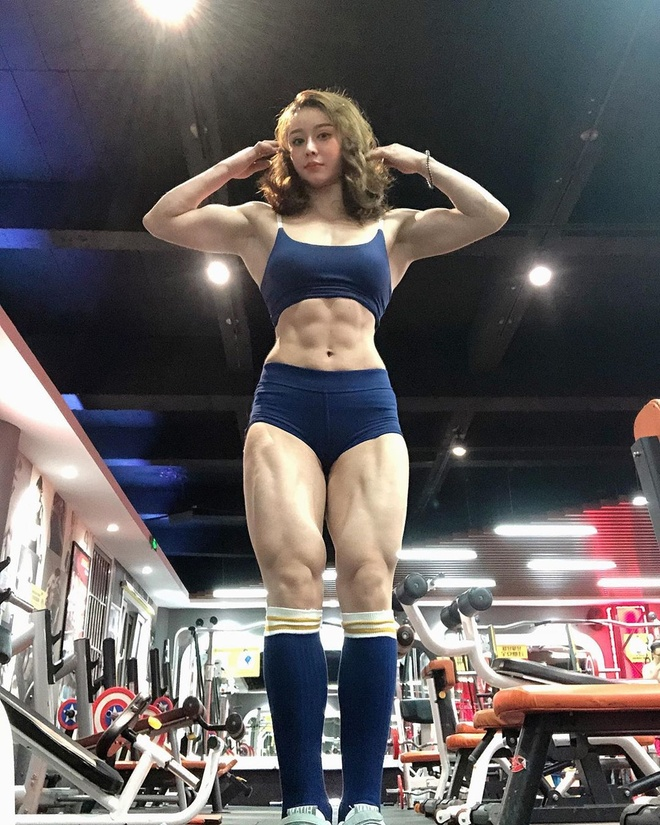 co gai nghien tap gym anh 11