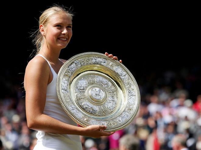 Tại Wimbledon 2004, Maria Sharapova dự giải khi vừa bước sang tuổi 17, nhưng đã thi đấu ấn tượng.