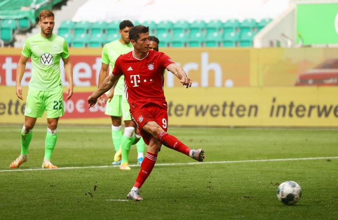 Bayern lap ky luc vo dich anh 4
