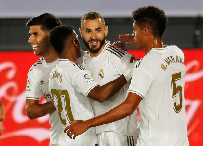 Real Madrid gap Alaves anh 1