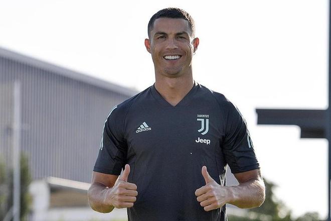 Nc247info tổng hợp: Ronaldo đổi kiểu tóc trước trận đấu ở Champions League