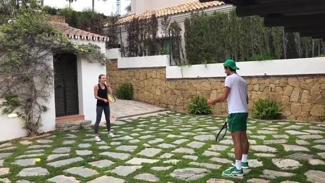 Djokovic song giau sang anh 3