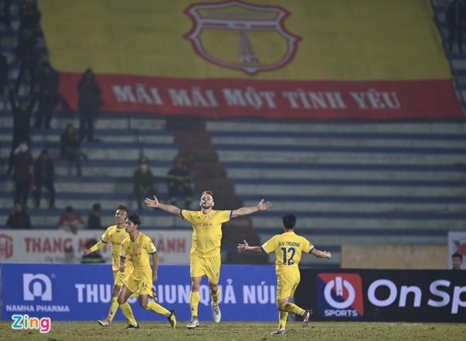 CLB Nam Dinh vs Ha Noi anh 16
