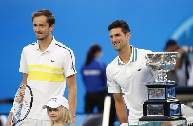 Djokovic vs Medvedev anh 13