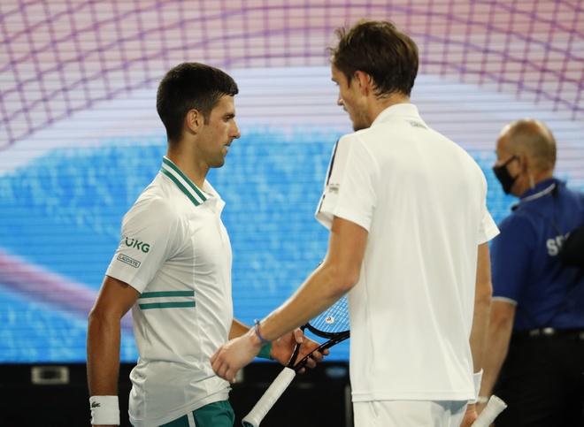 Djokovic vs Medvedev anh 38